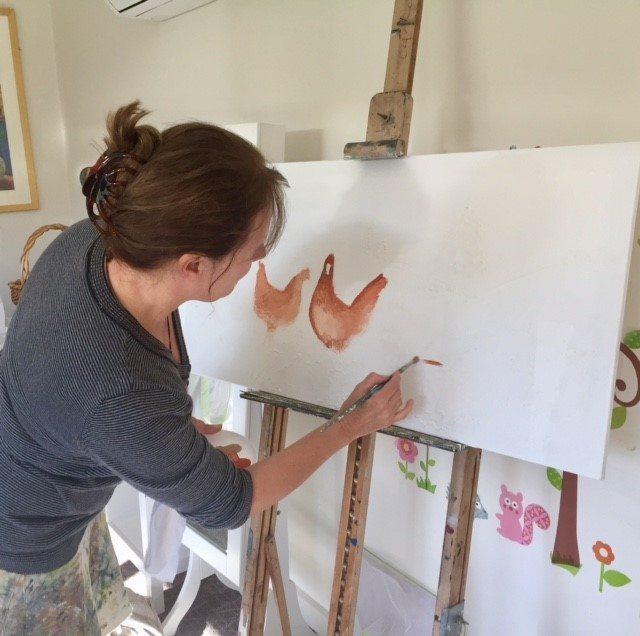 woman making Kapara hen art