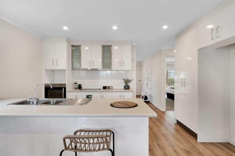 Aberfoyle-park-retirement-living-furnished-kitchen