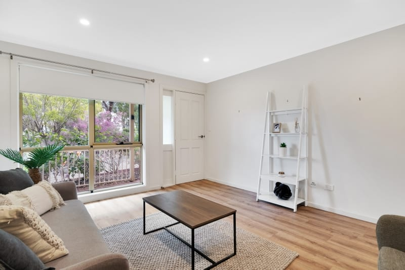 Aberfoyle-park-retirement-living-lounge-with-view-from-window.