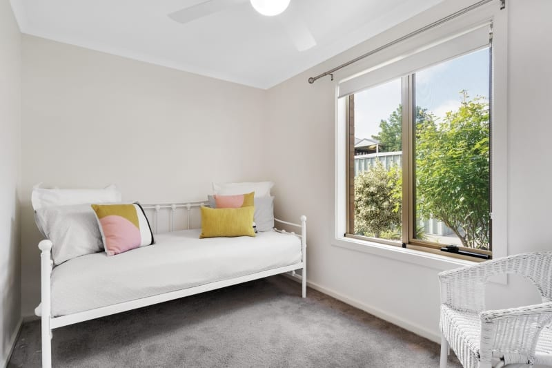 Aberfoyle-park-retirement-living-second-bedroom-with-guest-bed