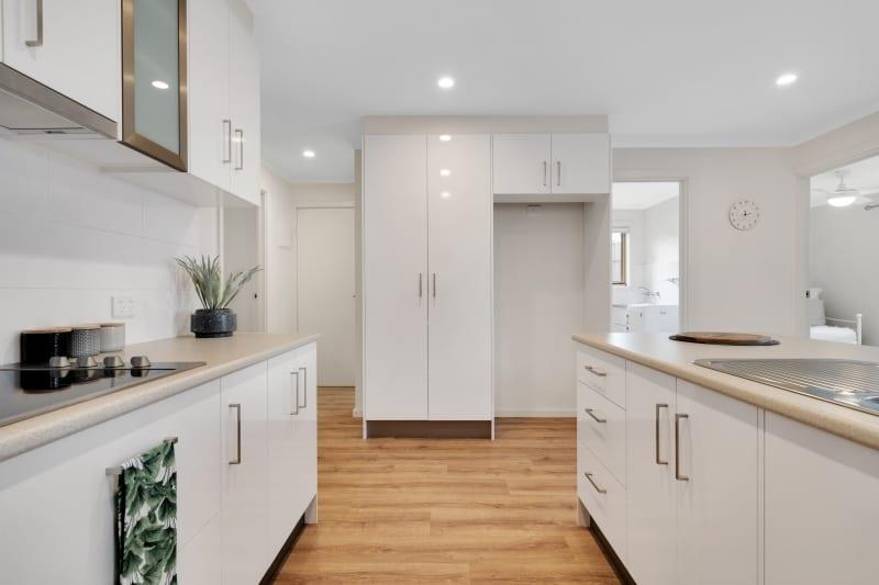 Aberfoyle-park-retirement-living-spacious-kitchen