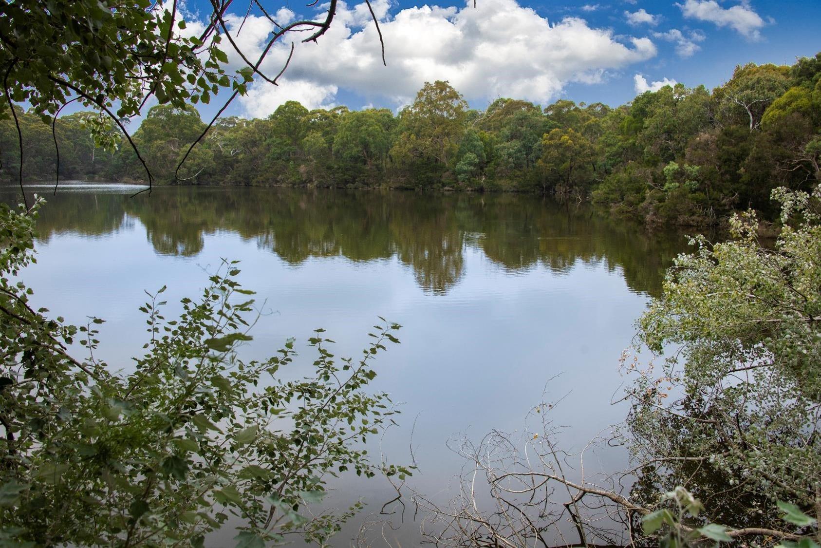 St Thomas Blackburn Lake 2