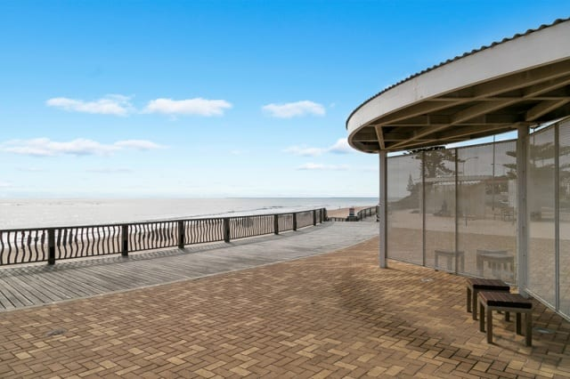 Paved beachfront & shelter