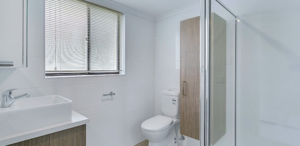 sir keith wilson court retirement living unit bathroom - unit 96