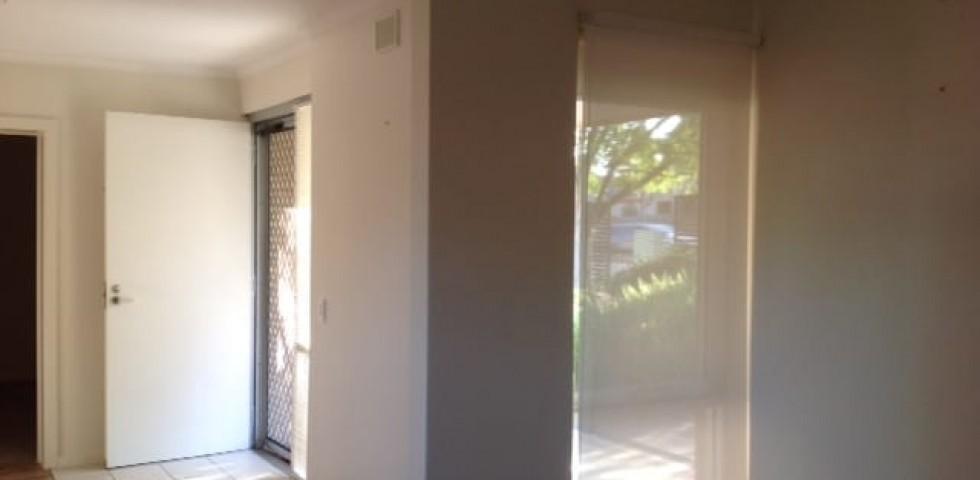 U34 JEC - lounge to front door