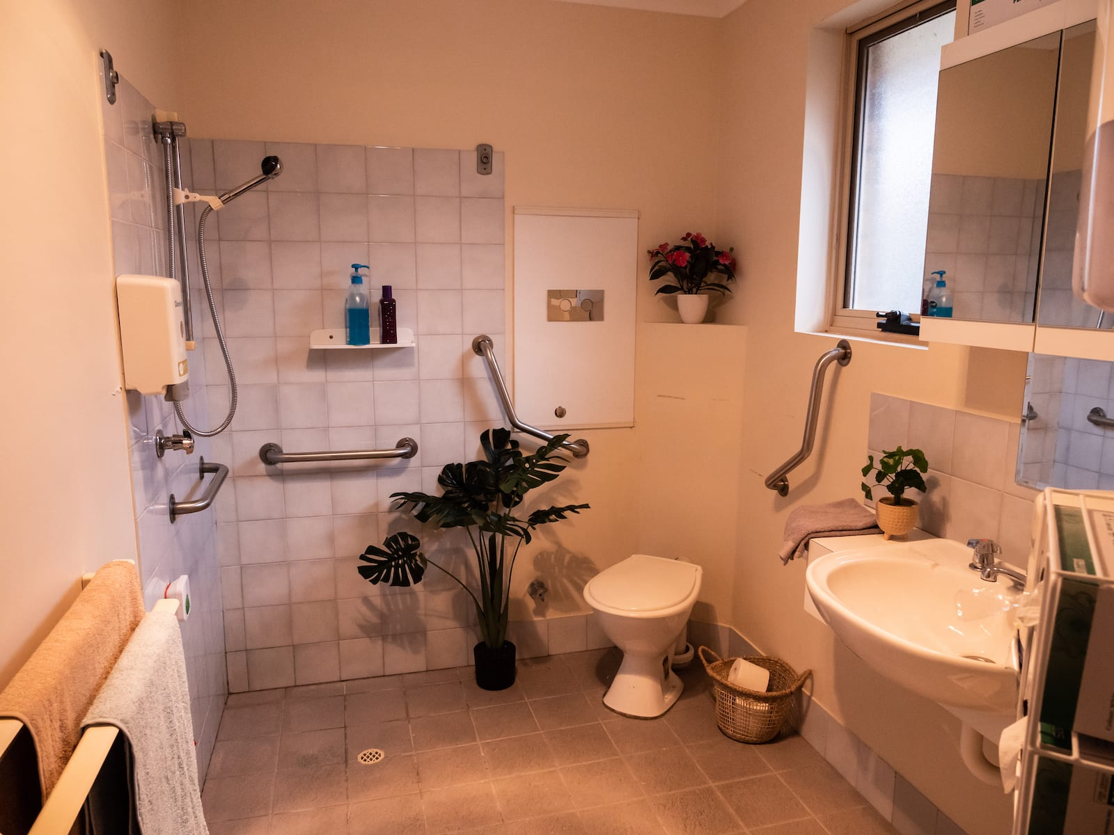 west park residential care home ensuite